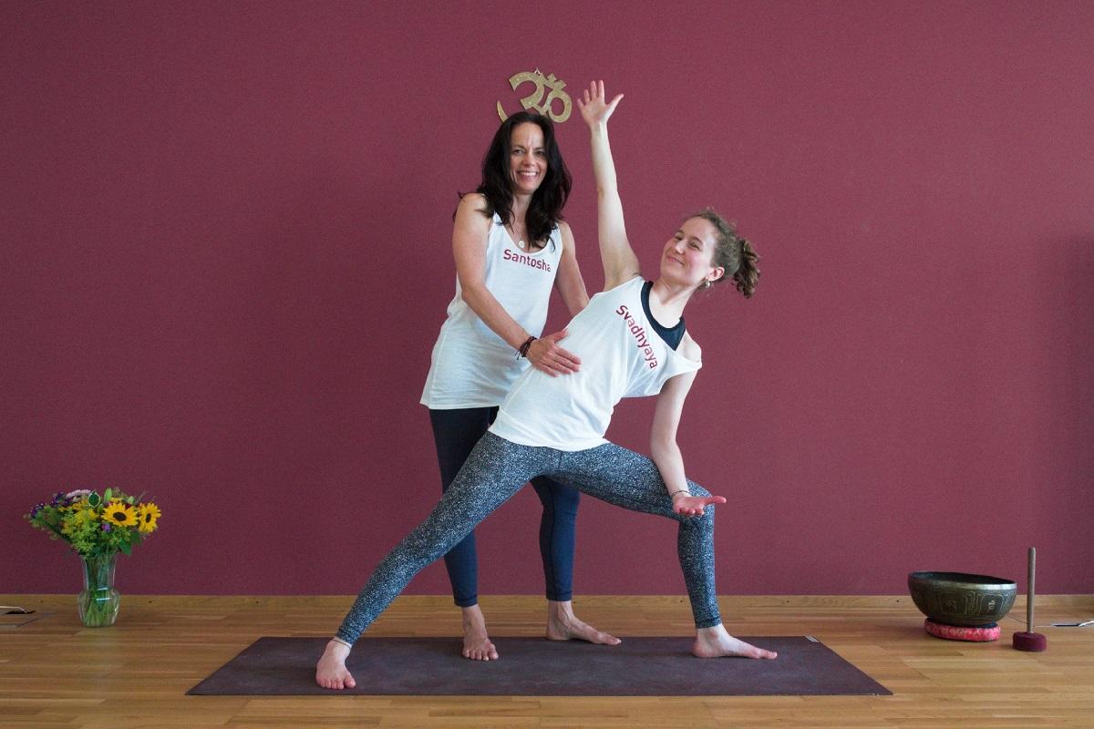 Yoga für Anfänger Workshop mit Regula & Alessia in Basel